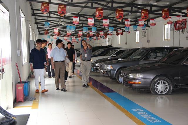 汽车装潢效果图 汽车装潢吧台 汽车装潢店设计